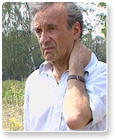 Elie Wiesel's arm, Where is the Tattoo?