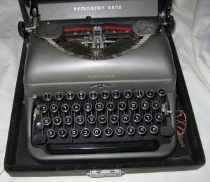 EW Hebrew typewriter