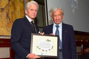 Michael Douglas presenting award to Elie Wiesel